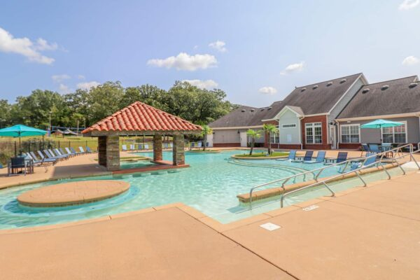 Lakeside Pool-05