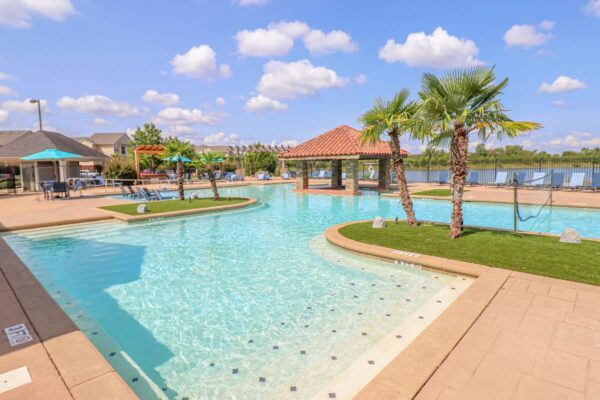 Lakeside Pool-08