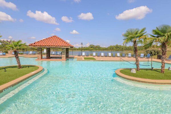 Lakeside Pool-09